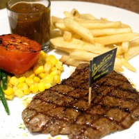 Justus Steak House Cimanuk